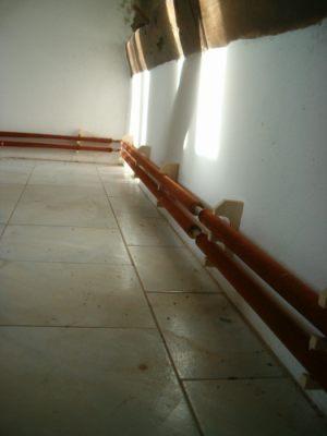 Passare tubi riscaldamento all esterno infissi del bagno for Isolamento per tubi di riscaldamento in rame